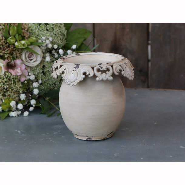 Vase med blondekant